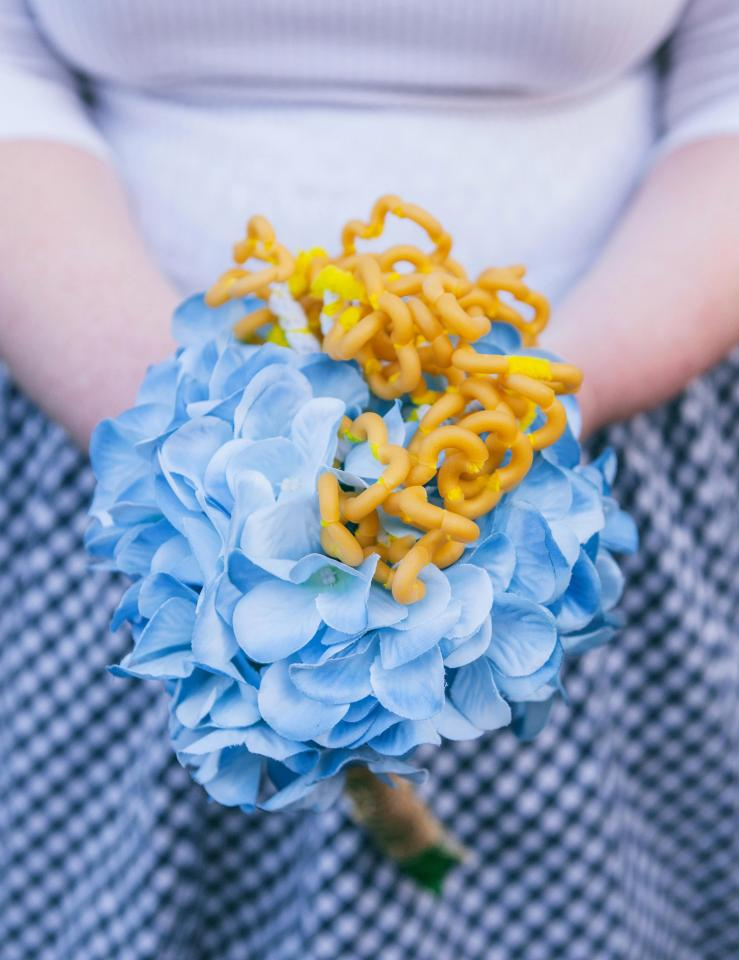 Couple has a macaroni cheese themed wedding