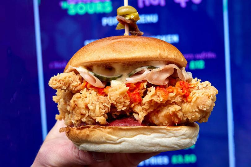 Chicken sandwiches with strawberry sauce